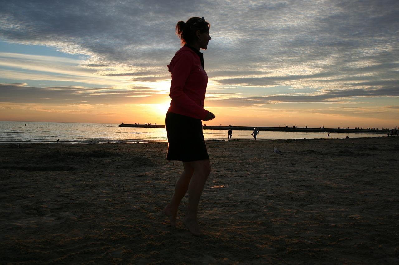 Cvičenie do plaviek: 30 minút denne aste fit!